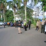 Bupati Muba Dr H Dodi Reza Alex Noerdin ikut meninjau penerapan PPKM Darurat Lokal di Musi Banyuasin, Senin (12/7)