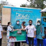 Dinas Perikanan Kabupaten Muba memberikan bantuan ikan segar terhadap ibu hamil dan Balita di Desa Teluk Kijing 2 Kecamatan Lais, Muba, Selasa (13/7)