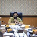 Plh Sekda Sumsel H Akhmad Najib memimpin rapat koordinasi terkait distribusi oksigen medis untuk dibagikan ke RS rujukan Covid-19 di Sumsel.