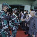 Bupati Asahan, H Surya BSc menyambut kunjungan kerja Danrem 022/PT Kolonel Inf. Parlindungan Hutagalung SAP Kamis (15/07) di Mokodim 0208/AS