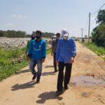 Kepala Ombudsman RI Perwakilan Sumatera Selatan M Adrian Agustiansyah SH MHum saat meninjau lokasi tersebut, Kamis (22/07)