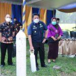 Gubernur Sumsel, Herman Deru memantau proses pengisian oksigen gratis di Posko Pengisian Oksigen Pemprov yang berlokasi di PT Pusri Palembang