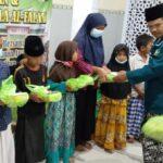 H Ahmad Farhan atau biasa disapa Gus Farhan mengajak Majelis Wakil Cabang (MWC) Nahdatul Ulama (NU) memberikan santunan anak yatim di Musholla Al-Falah, Kecamatan Lebaksiu, Kabupaten Tegal, Kamis (19/8).