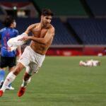 Asesio M (7) dari Spanyol saat selebrasi usai mencetak gol di menit ke-115, Selasa (3/8) malam