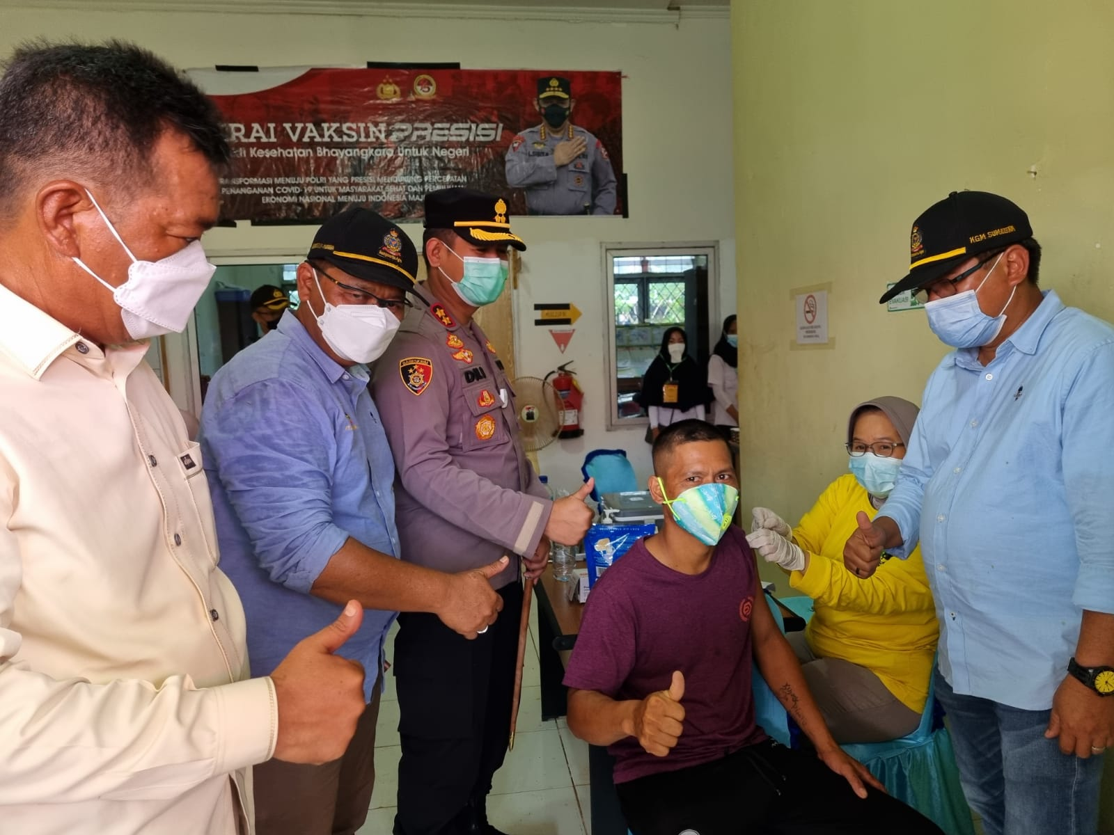 Polres Kabupaten OKI bersama Sampoerna Agro menggelar vaksinasi Covid-19, Selasa (28/9)