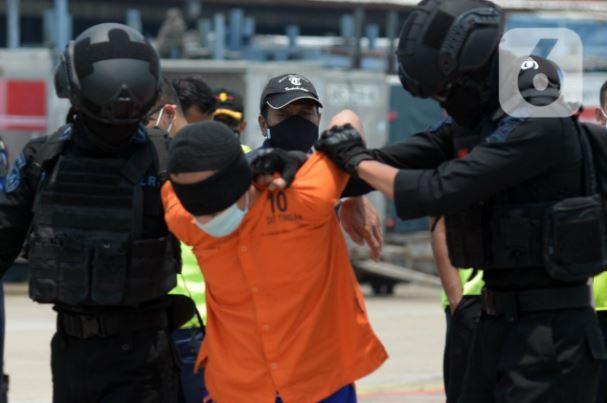 Tim Detasemen Khusus (Densus) 88 Antiteror Polri tengah mendalami adanya dugaan baiat Negara Islam Indonesia (NII) di wilayah Garut, Jawa Barat