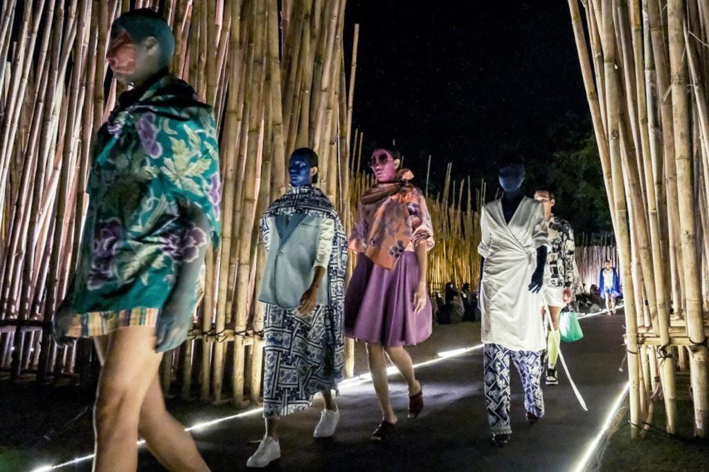 Gantari menghadirkan menghadirkan 125 koleksi dari berbagai variasi kain tradisional Indonesia
