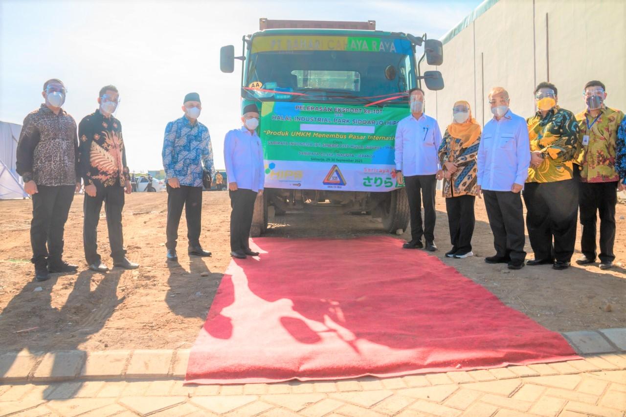 Pelepasan ekspor produk IKM di Halal Industrial Park Sidoarjo (HIPS), Sidoarjo, Jawa Timur, Kamis (30/9)