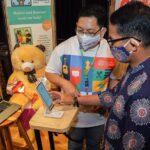Menparekraf mengajjak para pelaku ekraf dan industri film dapat menangkap peluang itu dan menjadikan film Indonesia tuan rumah di negeri sendiri.
