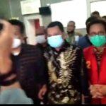 Penyidik Kejati Sumsel menahan tersangka baru kasus dugaan korupsi Masjid Sriwijaya, Kepala BPKAD Sumsel, Agustinus Antoni dan Leader Project PT Indah Karya, Loka Sangganegara