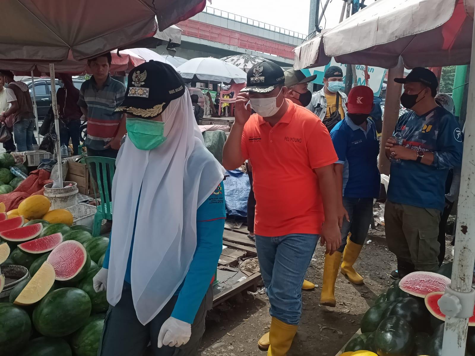 Wakil Walikota Palembang Fitrianti Agustinda dan didampingi Camat SU I Mukhtiar Hijrun, Minggu (03/10)