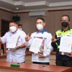 Penandatanganan Memorandum Of Understanding (MoU), dengan Perusahaan Daerah (Perusda) Pemkab Lahat dan PT Sriwijaya Buana Mandiri, yang disaksikan Bupati Lahat Cik Ujang, Senin (4/10