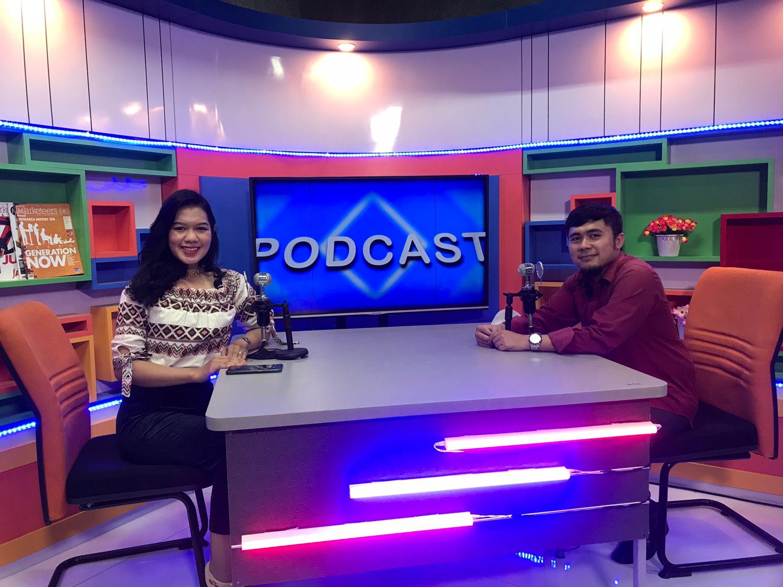 Universitas Bina Darma Palembang menghadirkan program Podcast sebagai sarana informasi dan edukasi