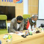 Universitas Bina Darma Palembang dan Universitas Bangka Belitung saat penandatanganan MoU terkait Tri Dharma Pendidikan (Pendidikan, Penelitian bersama dan MBKM), Jumat (7/10)