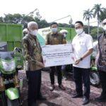 Bantuan CSR PT Inalum (Persero) berupa 3 unit motor pengangkut sampah dan dana diklat bagi 5 kepala sekolah