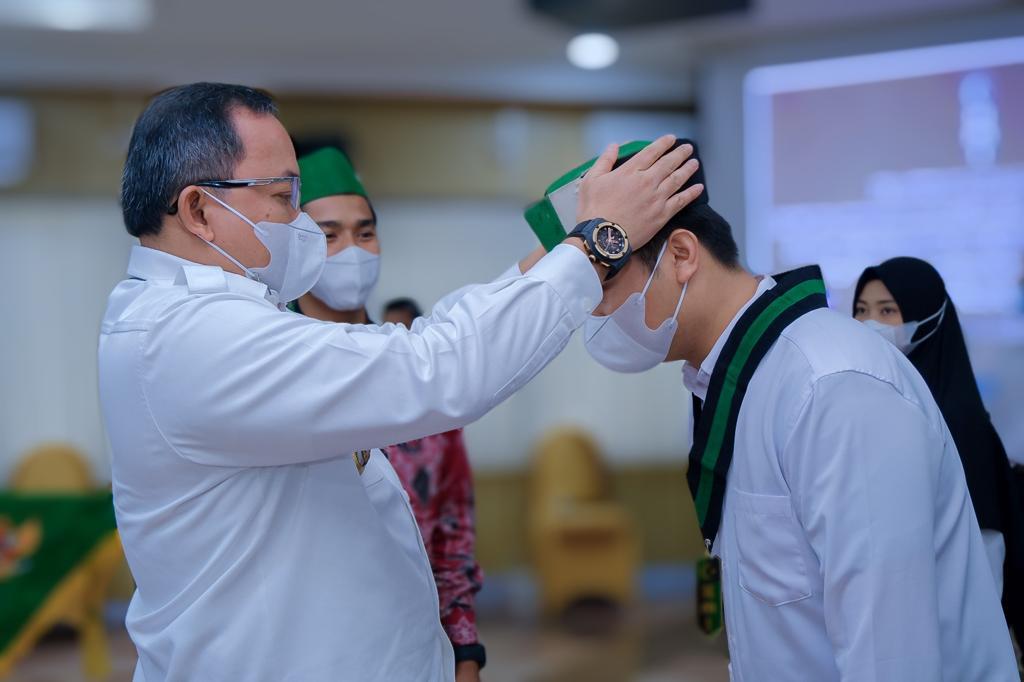 Bupati Musi Banyuasin Dr Dodi Reza Alex Noerdin Lic Econ MBA melantik Pengurus HMI Komisariat Persiapan Serasan Sekate Cabang Palembang Periode 2021 – 2022