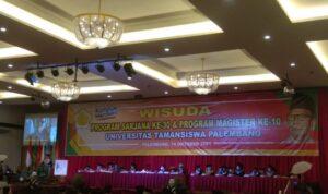 Wisuda program sarjana ke-30 dan program magister ke-10 Universitas Taman Siswa Palembang, Kamis (14/10)