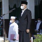 Bupati Asahan, H Surya BSc memimpin upacara Hari Santri Nasional (HSN) 2021, Jumat (22/10)