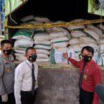 Ditreskrimsus Polda Sumsel berhasil menggagalkan 33 ton pupuk dolomit ilegal di Palembang